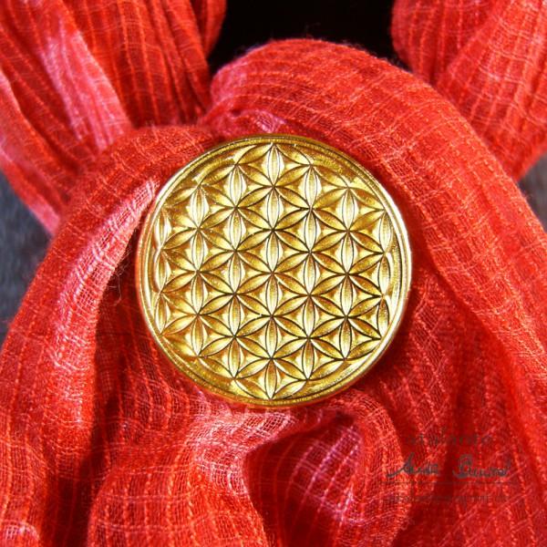 Blume des Lebens Kleider-Button mit Neodym-Magnet auf Schal | Farbe gold | Vorderseite | designed by atalantes spirit®