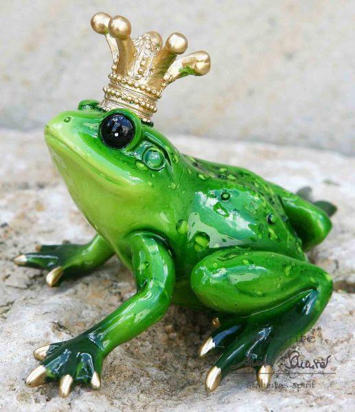 Froschkönig_mit_goldener_Krone_grün_Polyresin_11cm_atalantes-spirit